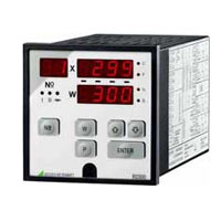 R0300 Compact Digital Temperature Controller